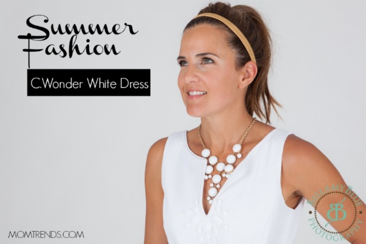 summer, messy pony tail. monday mingle, fashion, c.wonder, white dresses, what to wear in the heat, summer dresses, style, fashion, mom bloggers, stylish moms