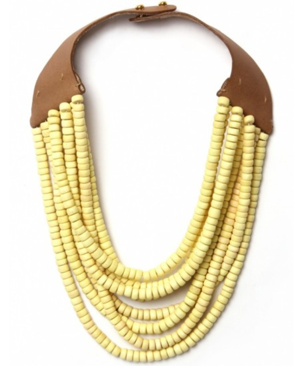 strand-beaded-necklace-747266-1032368_medium