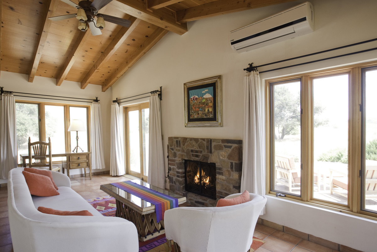 jr-villa-studio-fireplace