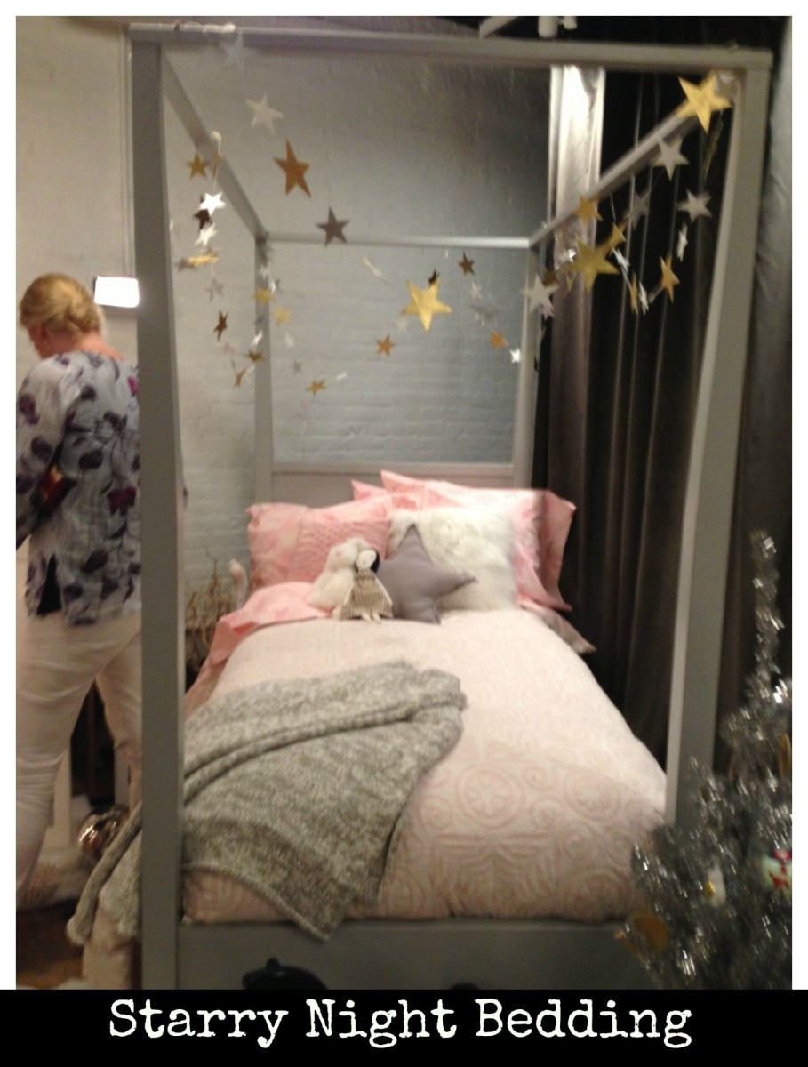 bedding, land of nod, holiday