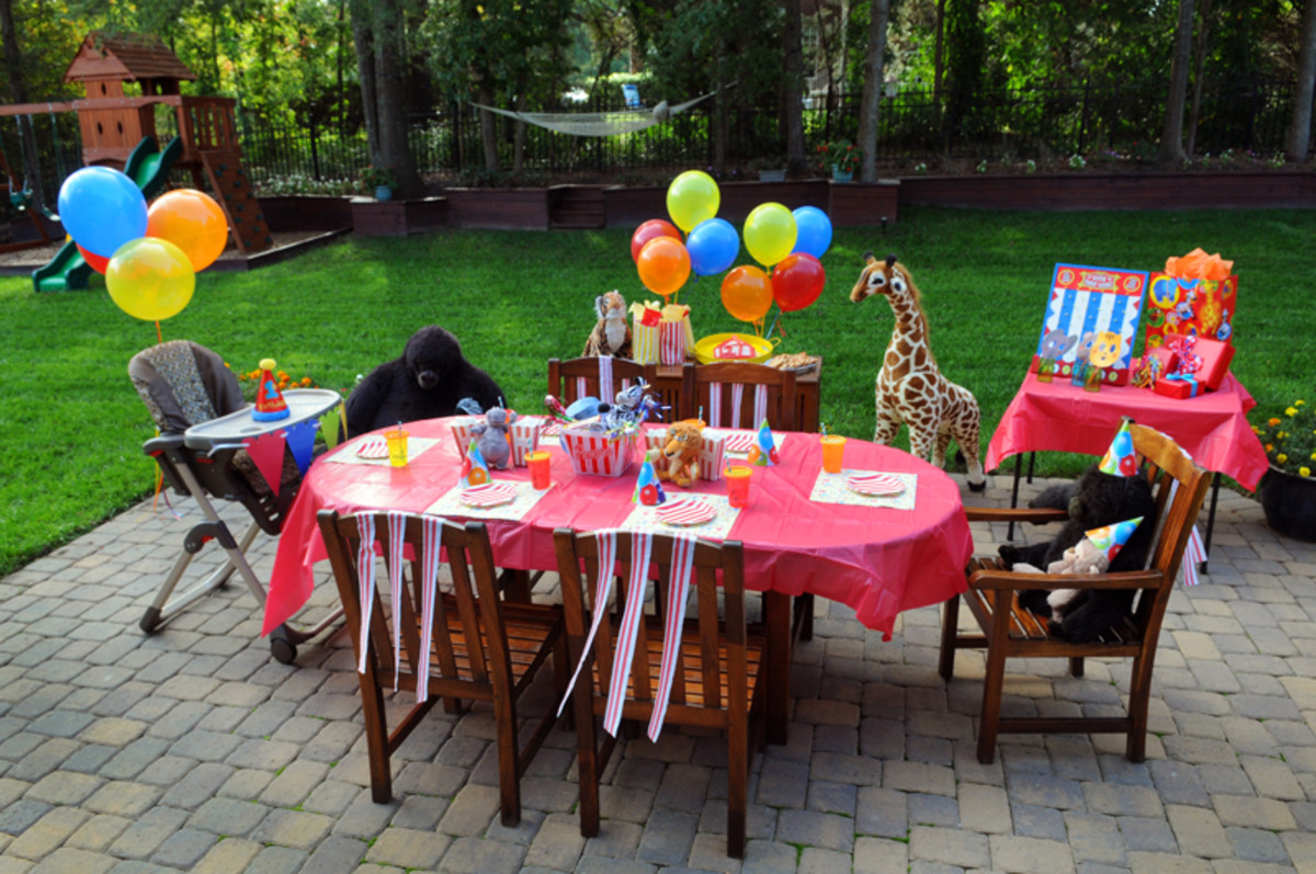 circus themed first birthday party