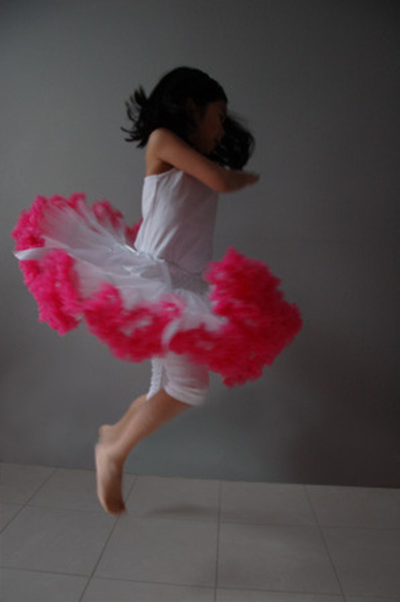 Pure_White_Hot-Pink_Tutu3_1024x1024
