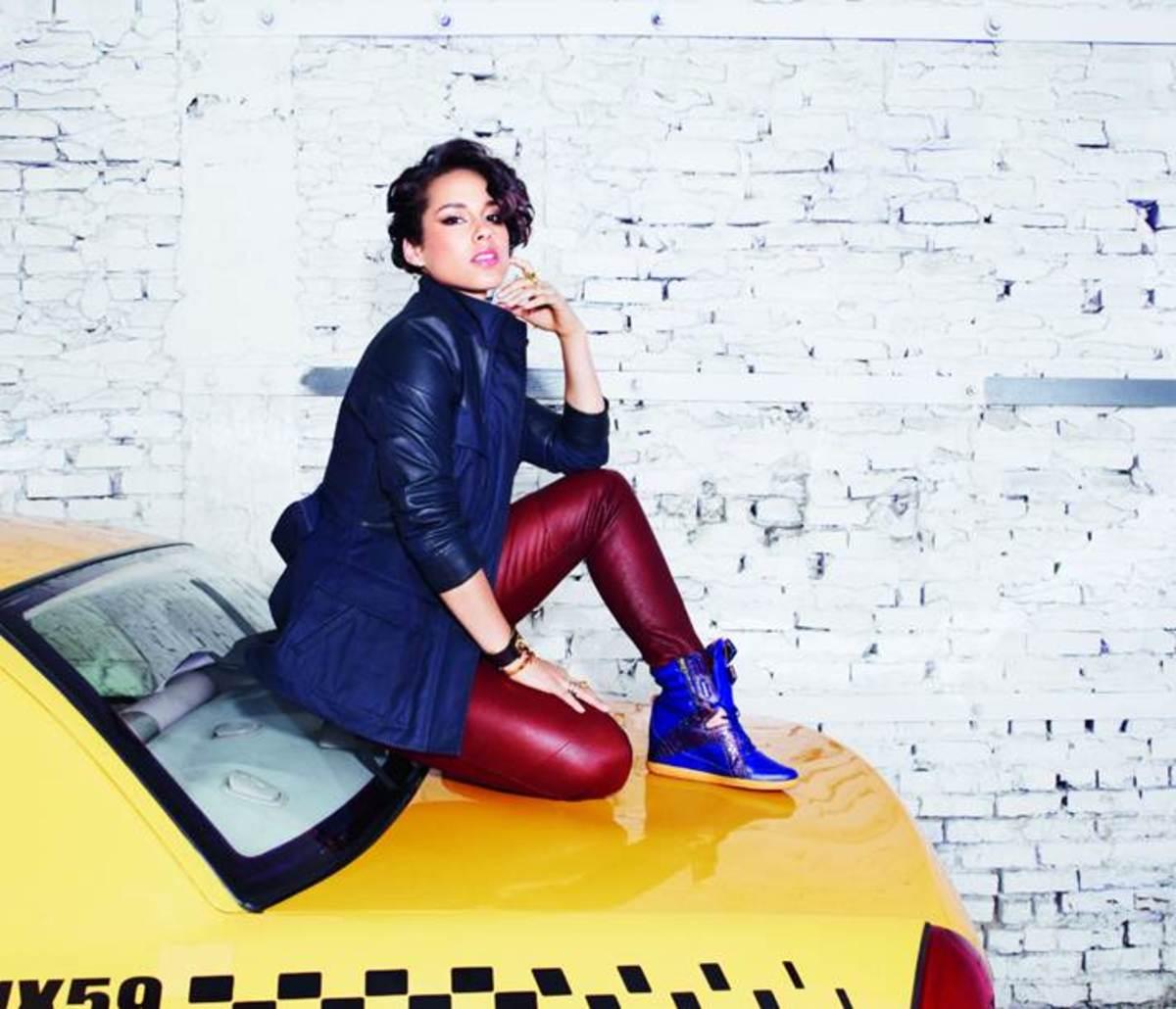 e036f1a9cca178 Fall 2013 Reebok Classic x Alicia Keys Collection - MomTrends