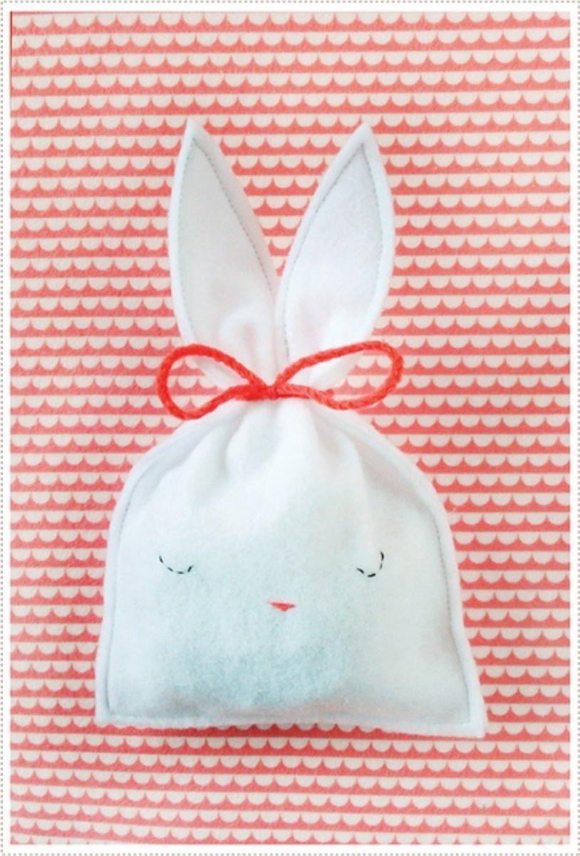 candy bunny pouch