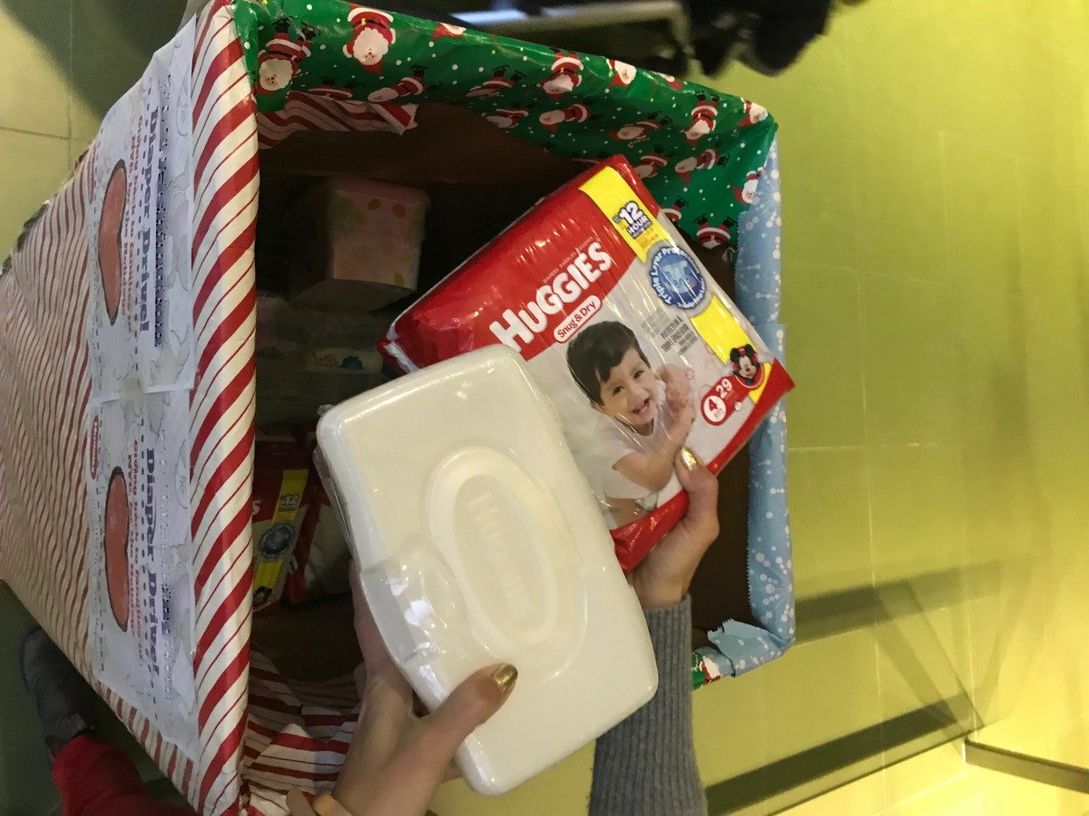 Huggies Gives back