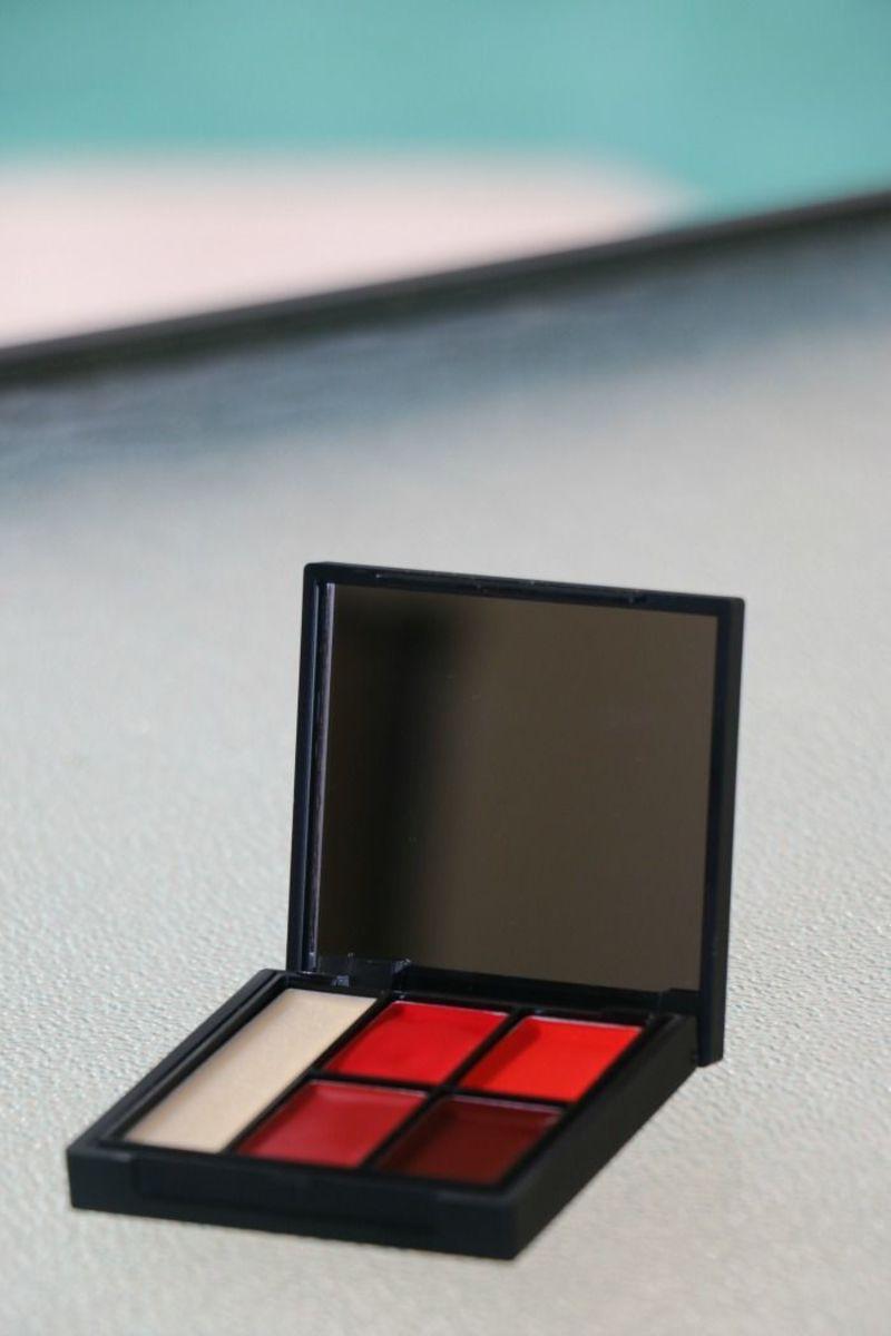 red lip palette