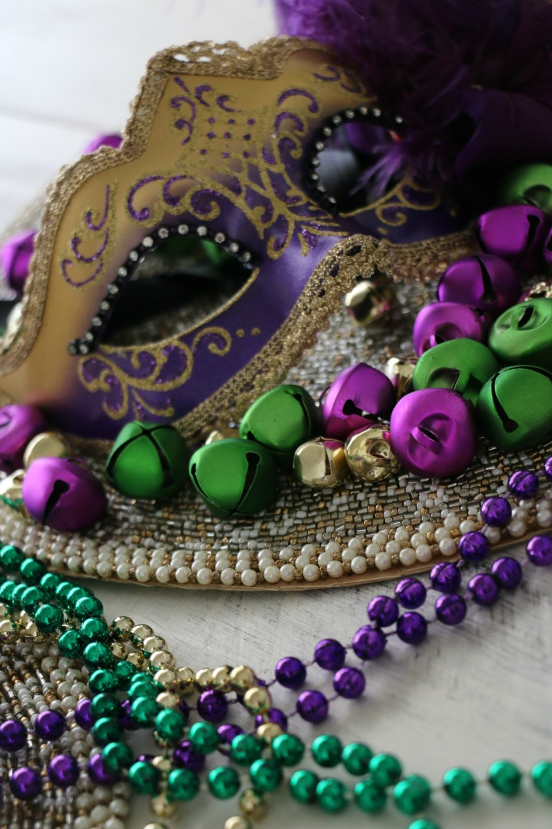 masquerade mask centerpiece