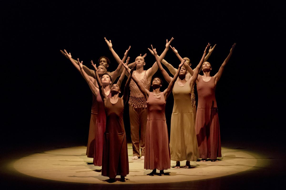 Alvin Ailey American Dance Theater in Alvin Ailey's Revelations. Photo by Paul Kolnik (16)