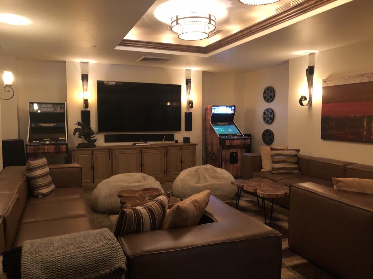 Spanish Peaks Private Club Lounge