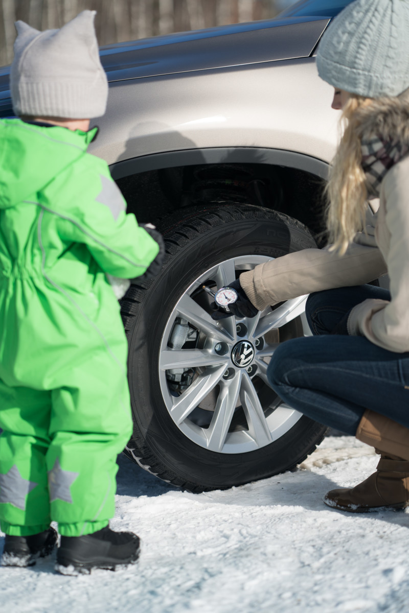 Family Safety Winter Driving Tips