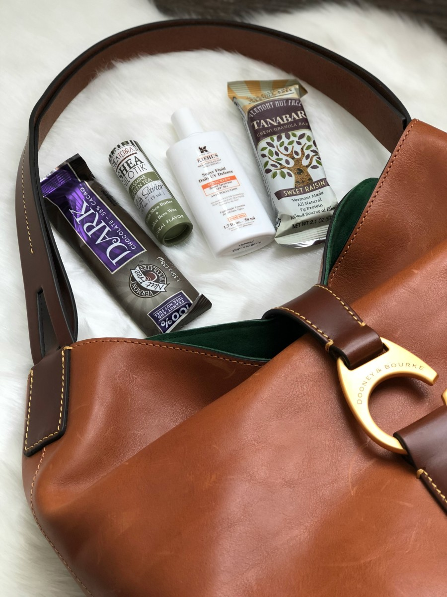 what's in my mom bag