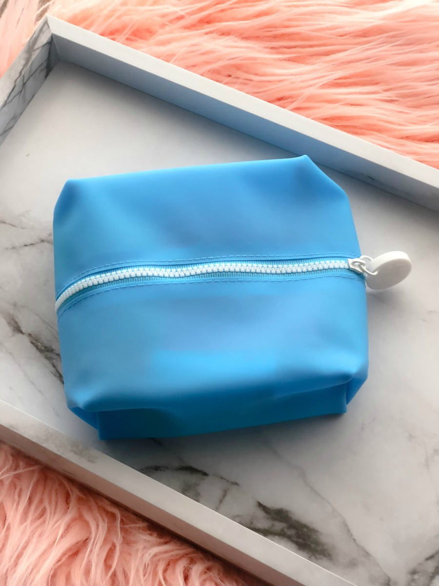 waterproof beauty pouch