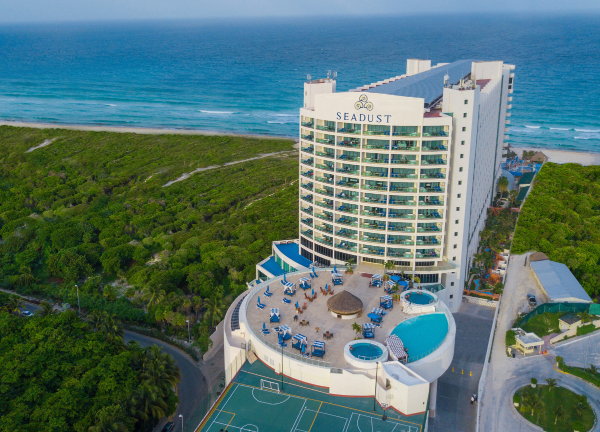 Family Review Seadust Resort Cancun