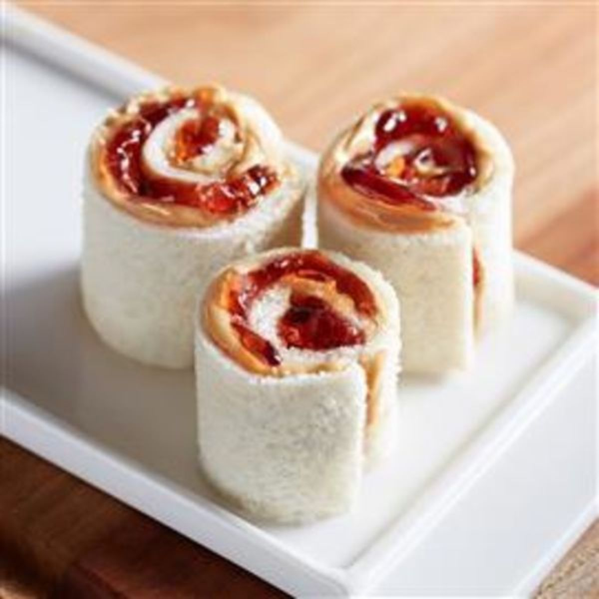 How to Make Peanut Butter and Jelly Sushi Rolls
