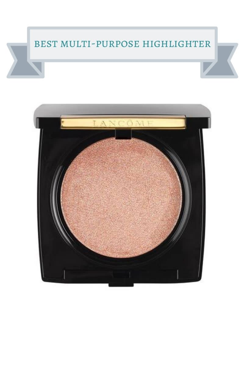 black compact of Lancome highlighter