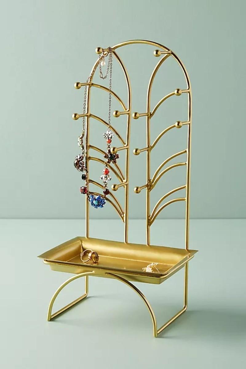 Pretty Ways To Organize Your Jewelry